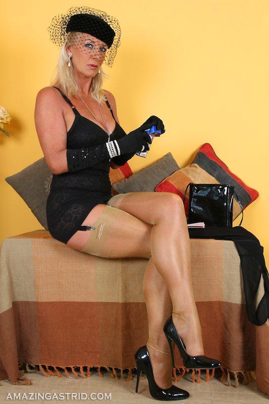 Layer nylon pantyhose milf mature femdom german joi 7