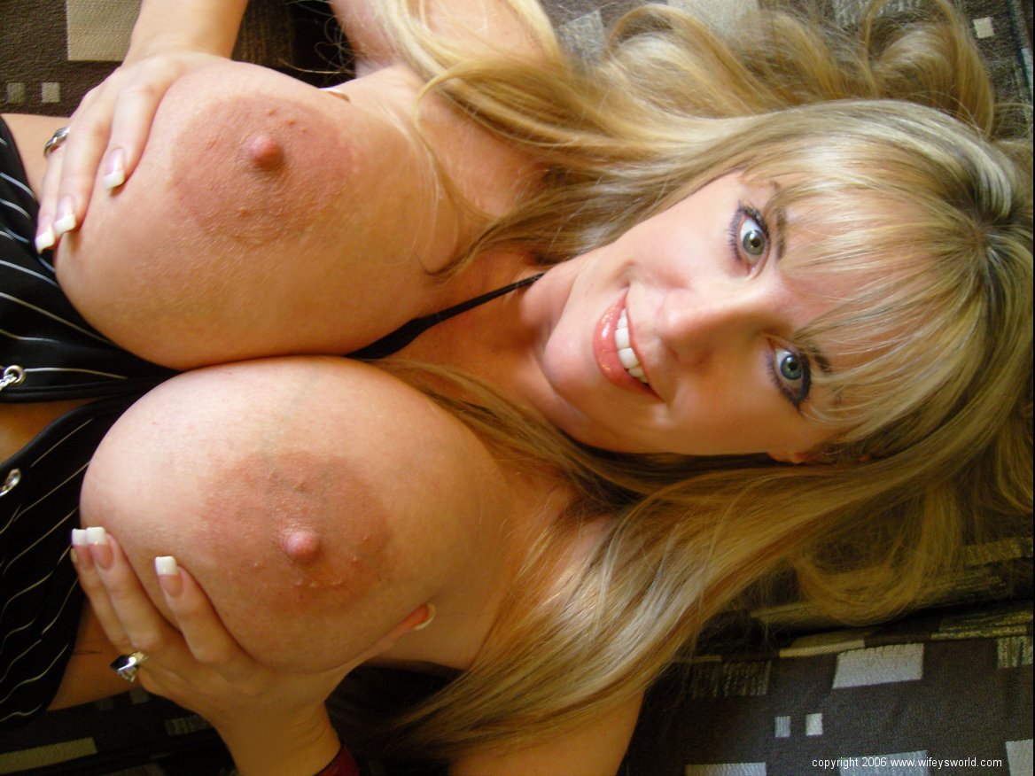 ... swallowing, handjobs, tit fucking and of course sex! Wifey's World is: www.mature-beauty.com/pictures/wifeysworld/155122