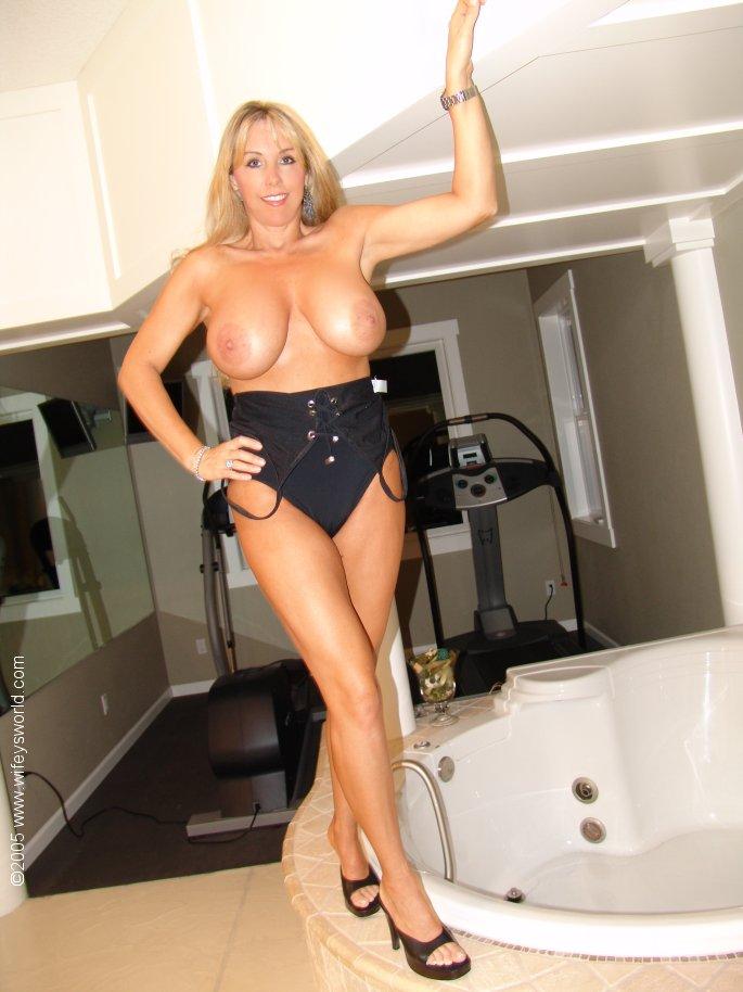 mature beauty wifeysworld 671818 03